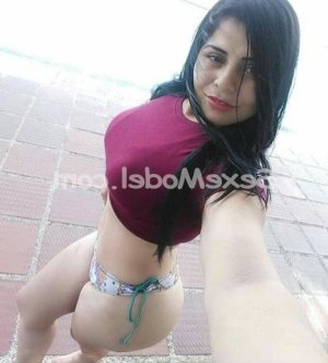 Rannia escorte girl